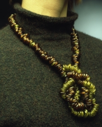 2003_2004-nodo-indossato